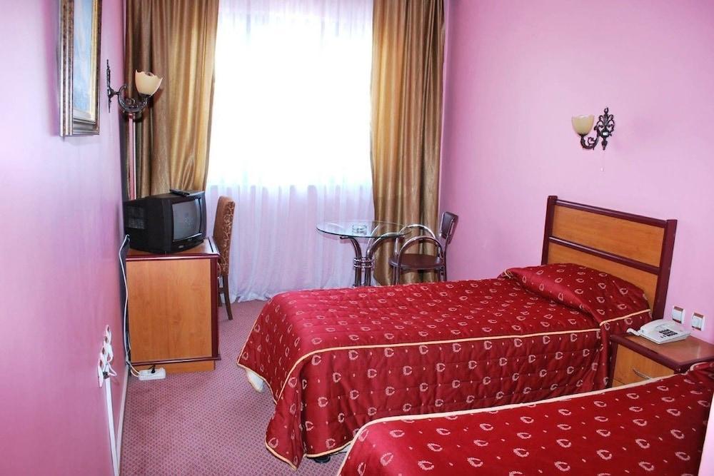 image 1 at Malabadi Hotel by Selahattin Eyyubim Mah Sanliurfa Bulvar No 45 Diyarbakir 21080 Turkey