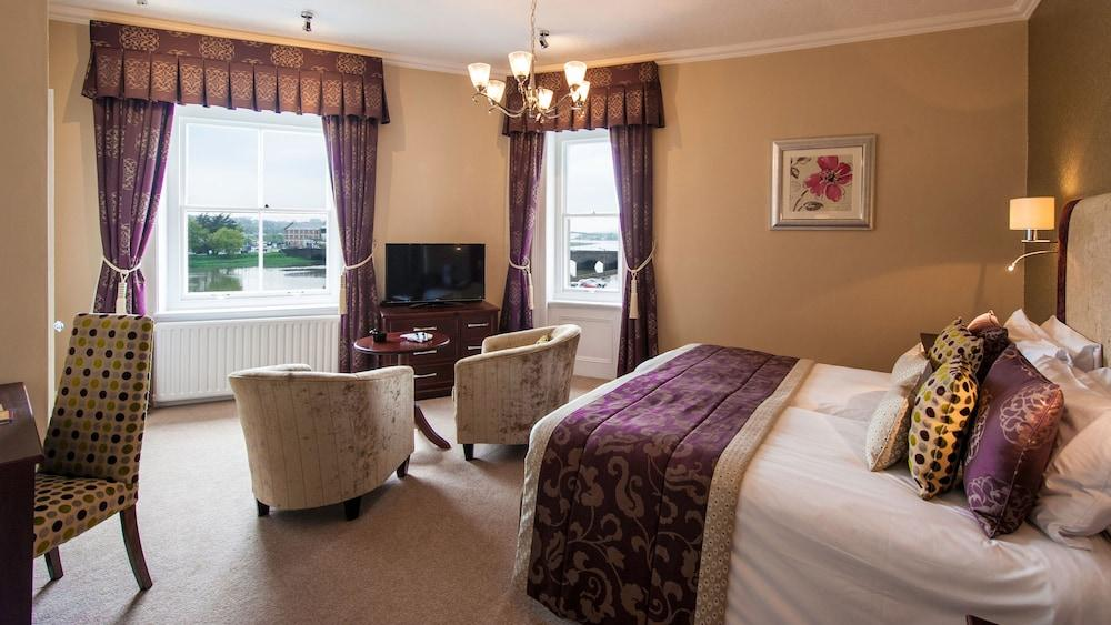 image 1 at The Imperial Hotel by Taw Vale Parade Barnstaple England EX32 8NB United Kingdom