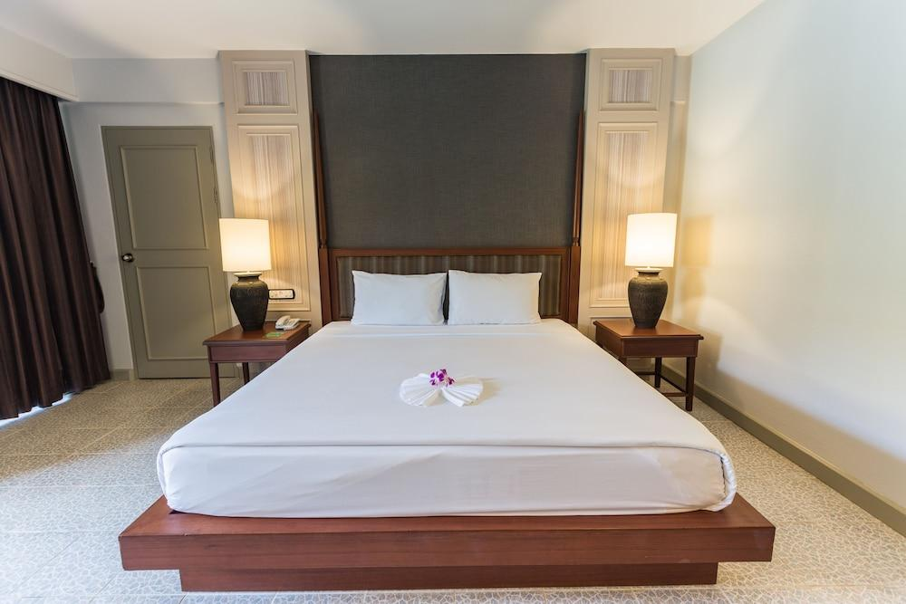 image 1 at Phuket Orchid Resort and Spa by 34 Luangphochuan Road Muang District Karon Phuket 83100 Thailand