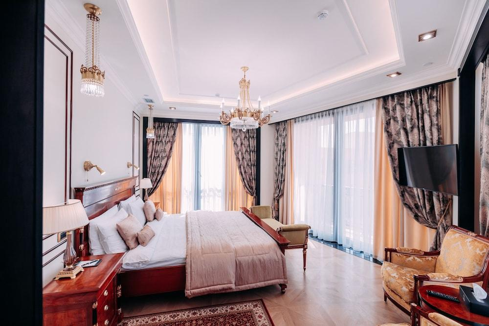 image 1 at Golden Palace Hotel by 11 Northern Avenue Yerevan 00010 Armenia