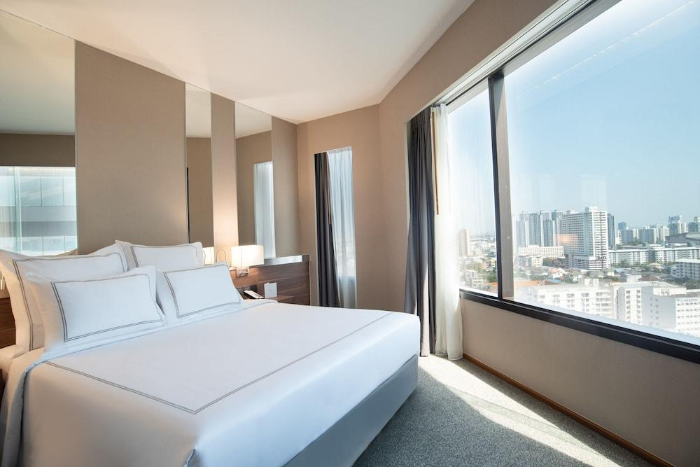 image 1 at Swissotel Bangkok Ratchada by 204 Ratchadapisek Road Huay Kwan Bangkok Bangkok 10320 Thailand