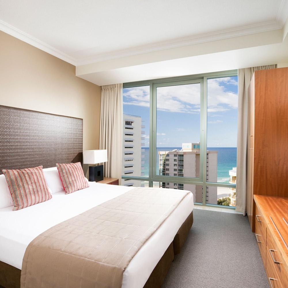 image 1 at Mantra Legends Hotel by Cnr Surfers Paradise Blvd. & Laycock St Surfers Paradise QLD Queensland 4217 Australia