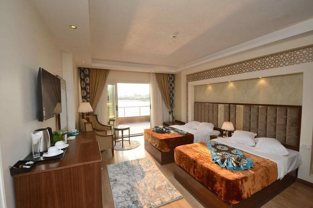 image 1 at Ultra Trans Hotel by Nile Corniche In Front of Mohamed Ali Palace Shubra al Khaymah Cairo Governorate 13766 Egypt