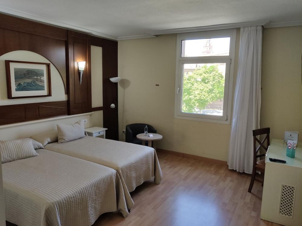 image 1 at Hotel Pasarela by Av de la Borbolla, 11 Seville Seville 41004 Spain