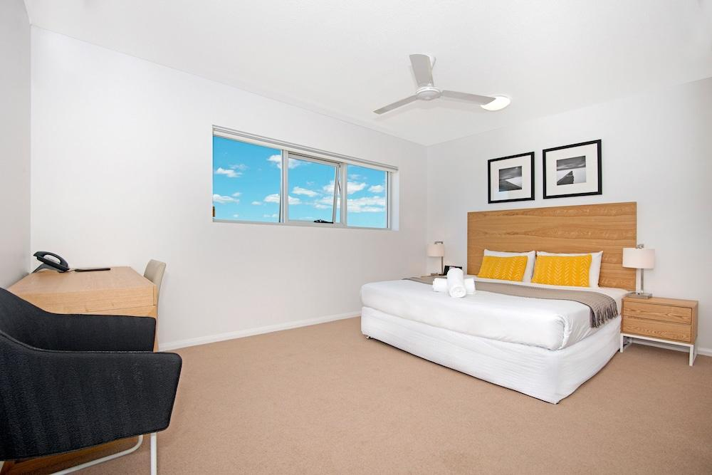 image 1 at Allure Hotel & Apartments by Cnr Morehead St and McIlwraith St South Townsville QLD Queensland 4810 Australia