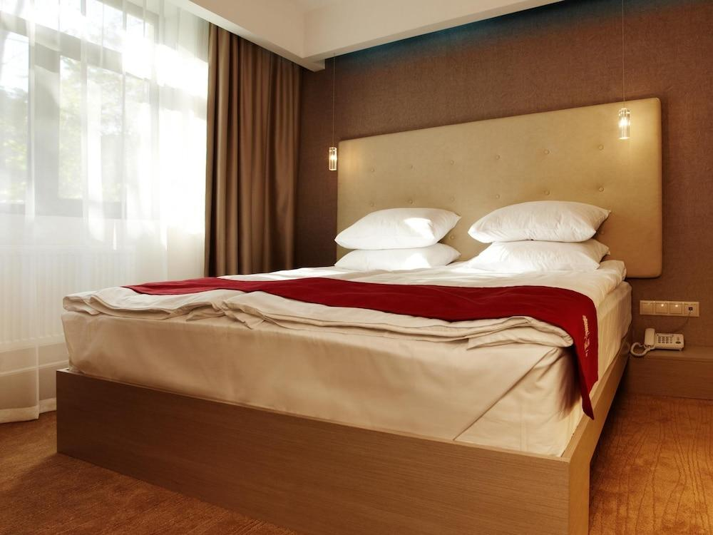 image 1 at City Park Hotel Kiev by 20 Bulvarno-Kudriavska St Kyiv 2000 Ukraine