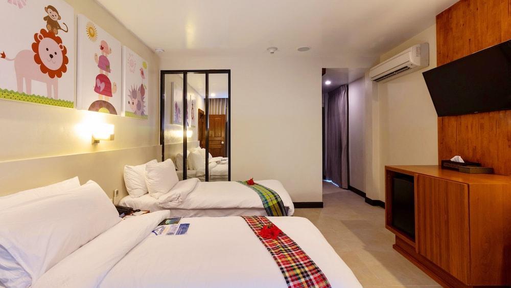 image 1 at Holiday Inn Resort Phi Phi Island, an IHG Hotel by Leam Tong Beach Ko Phi Phi Krabi 81000 Thailand