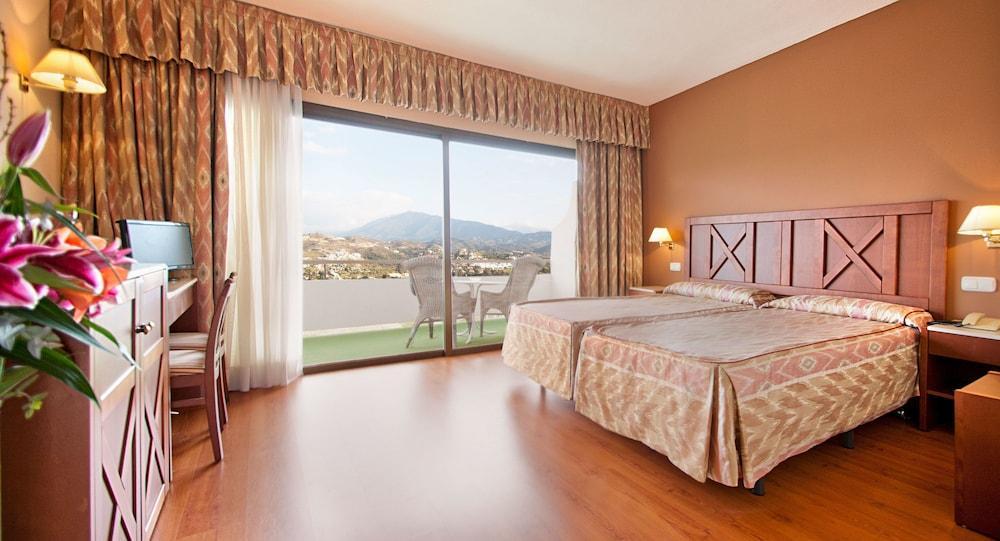 image 1 at Hotel TRH Paraiso by Ctra Cadiz Km 167 Urb Paraiso Avda. de la Gardenia, s/n Estepona Malaga 29688 Spain