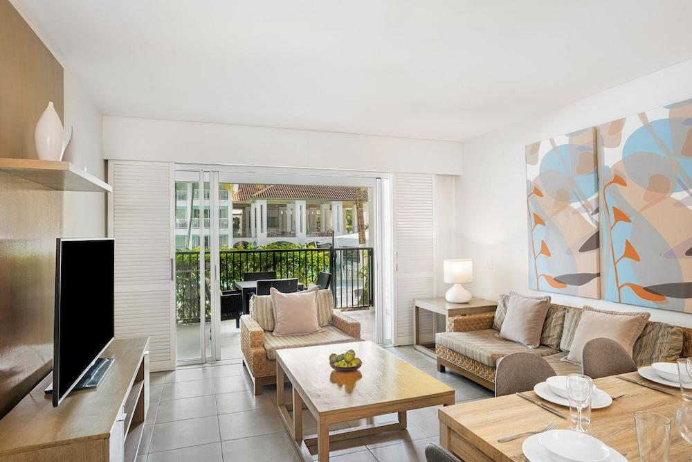 image 1 at Peppers Beach Club by 20-22 Davidson St Port Douglas QLD Queensland 4877 Australia