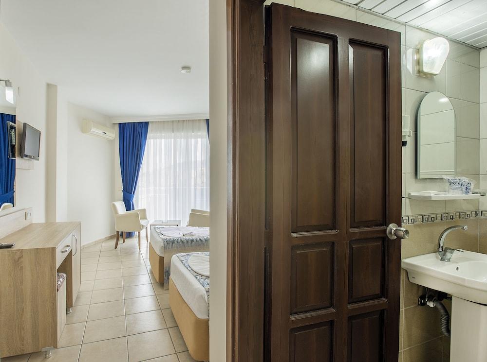 image 1 at Kleopatra Arsi Hotel by Kizlarpinari Mh. Otogar Mevkii Alanya Antalya 07400 Turkey