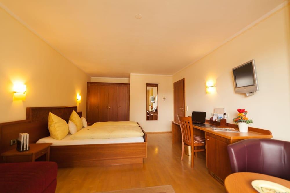 image 1 at Hotel Sallerhof by Hauptstrasse 9 Groedig Salzburg 5082 Austria