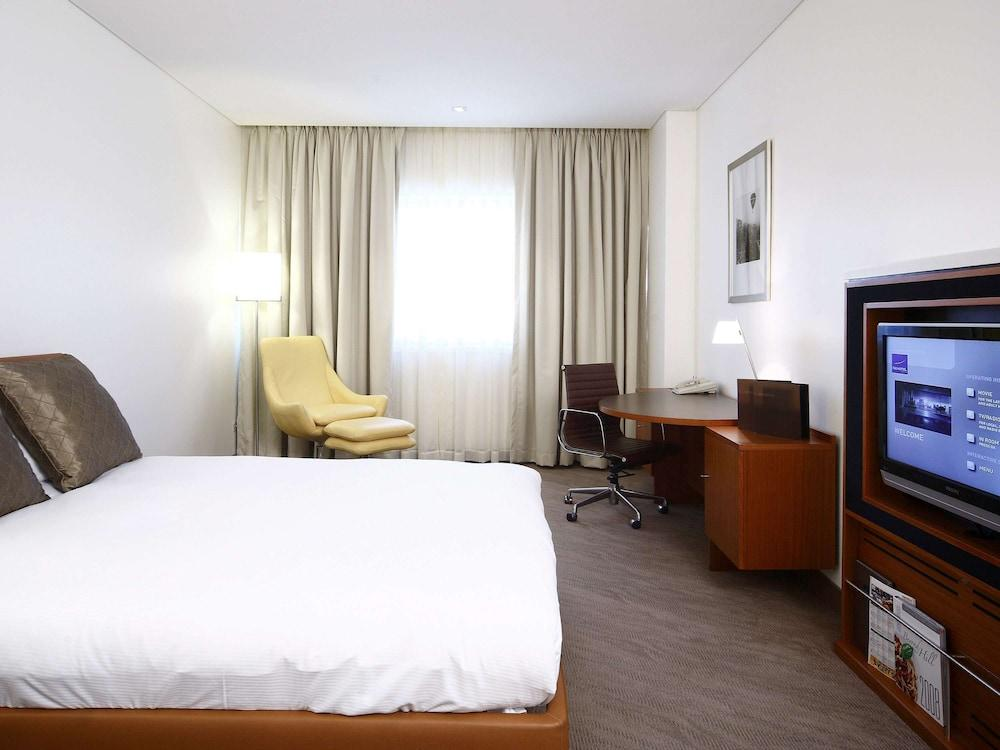 image 1 at Novotel Canberra by 65 Northbourne Avenue Canberra ACT Australian Capital Territory 2600 Australia