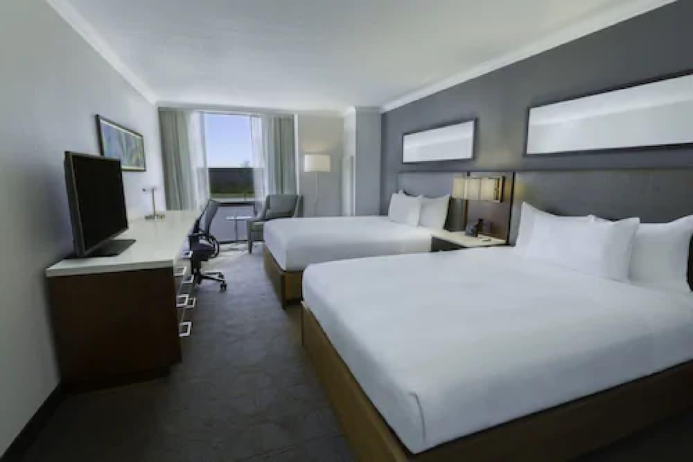 image 1 at Hilton Toronto Airport Hotel & Suites by 5875 Airport Road Mississauga ON Ontario L4V1N1 Canada