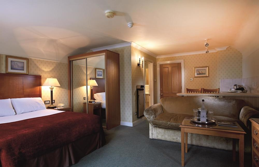 image 1 at Macdonald Elmers Court Hotel by South Baddesley Road Lymington England SO41 5ZB United Kingdom