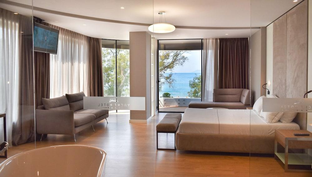 image 1 at Yacht Hotel by Rruga Dhimitër Konomi Vlore 9405 Albania