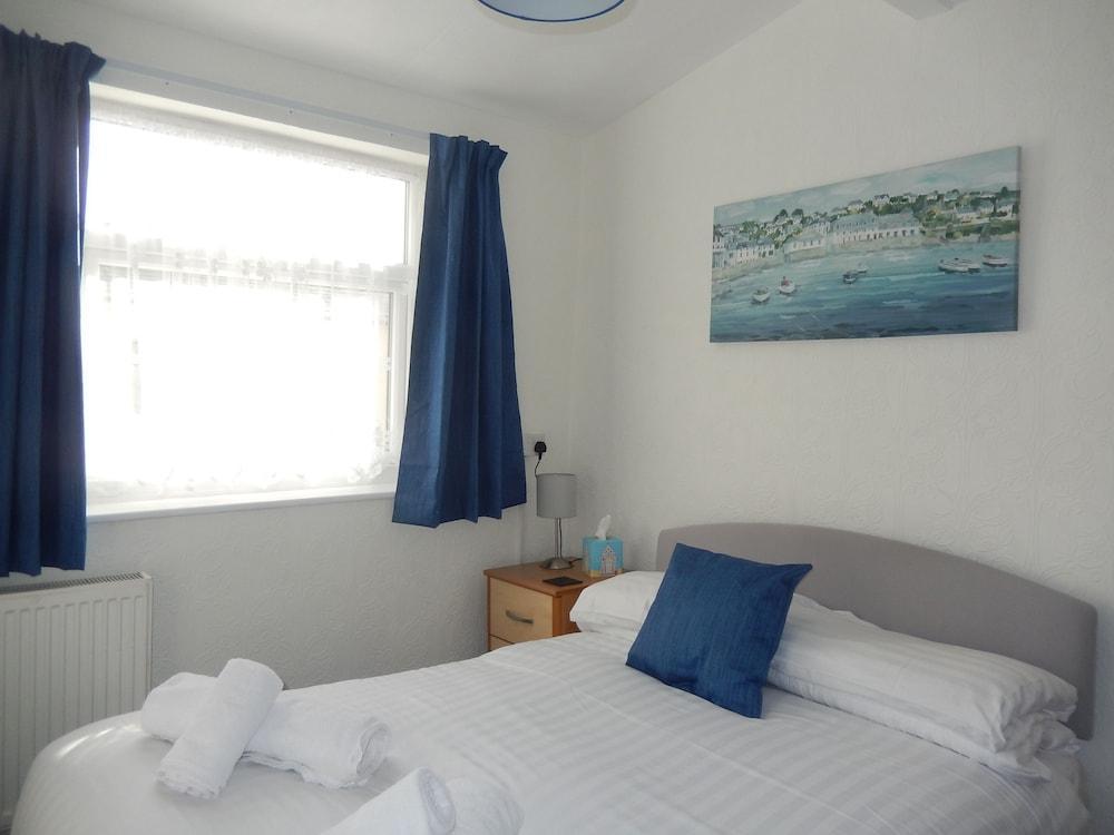 image 1 at The Oasis by 4 Nevill Crescent Llandudno Wales LL30 1AT United Kingdom