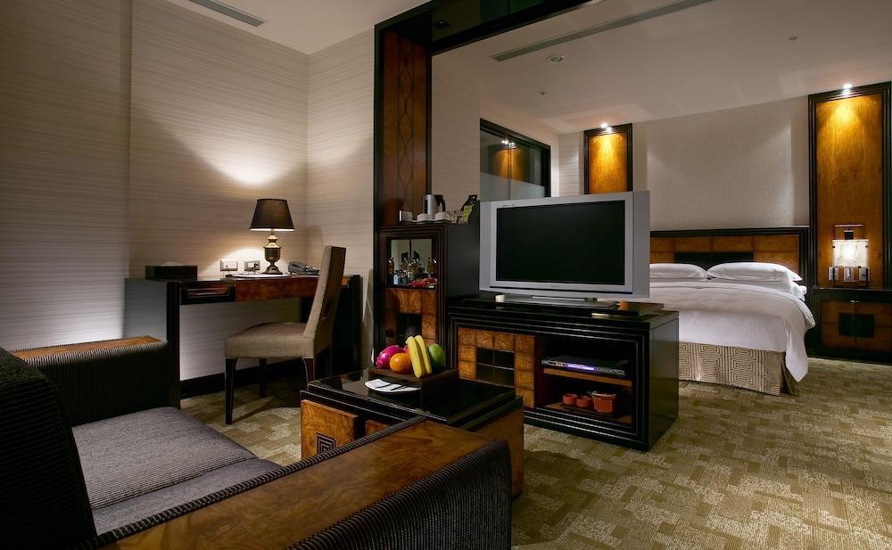 image 1 at Hotel Sense by No 477 Linsen North Road Taipei 104 Taiwan