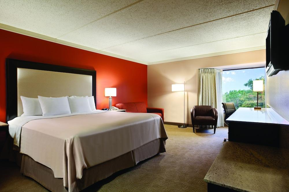 image 1 at Woodcliff Hotel and Spa by 199 Woodcliff Dr Fairport NY New York 14450 United States