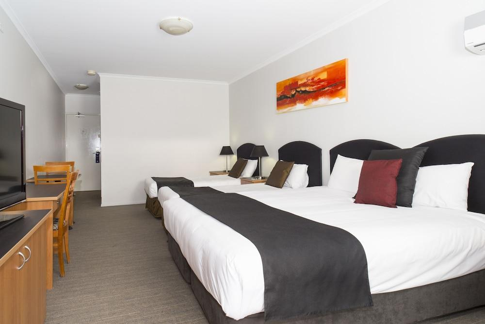 image 1 at Alpha Hotel Canberra by 46 Rowland Rees Crescent Greenway ACT Australian Capital Territory 2900 Australia