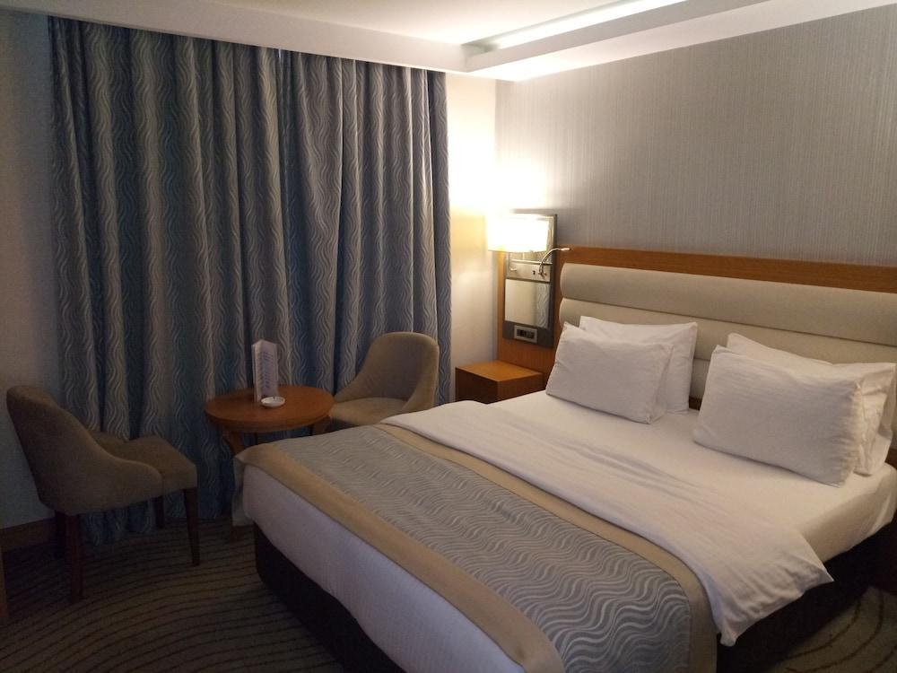 image 1 at Grand Turkuaz Hotel by Bahar Mh Ulubatli Hasan Bul No63 Bursa Osmangazi 16240 Turkey