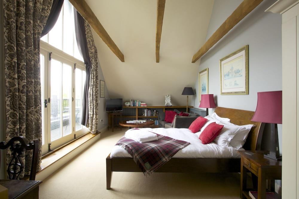 image 1 at The Anchor Inn by Lower Froyle Alton England GU34 4NA United Kingdom