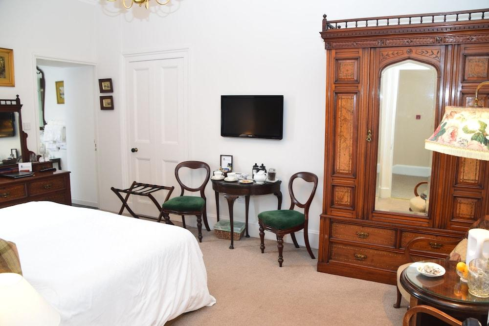 image 1 at The Townhouse by 17 Marshall Place Perth Scotland PH2 8AG United Kingdom