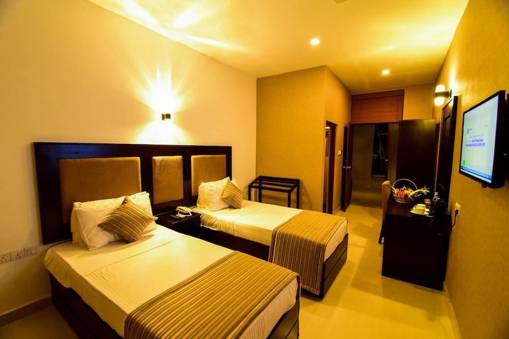 image 1 at Full Moon Garden Hotel by No.754, Colombo Road Seeduwa - Katunayake Sri Lanka