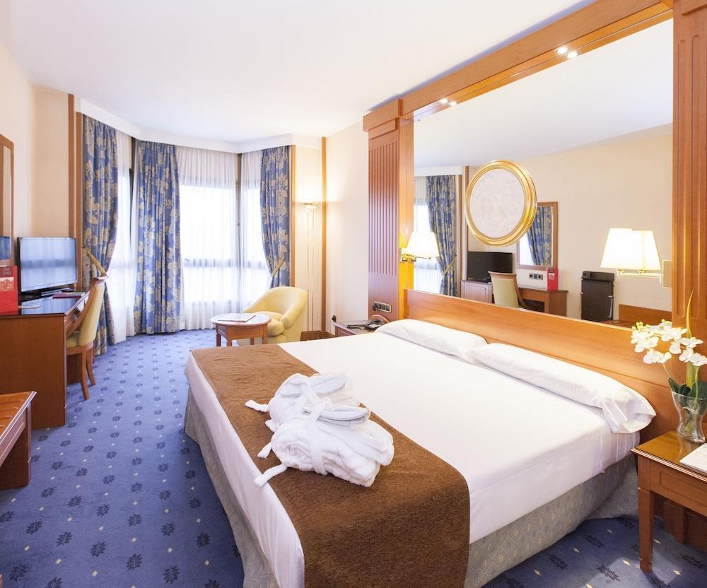 image 1 at Hotel AA Los Bracos by Silken by Calle Breton de los Herreros, 29 Logroño La Rioja 26001 Spain
