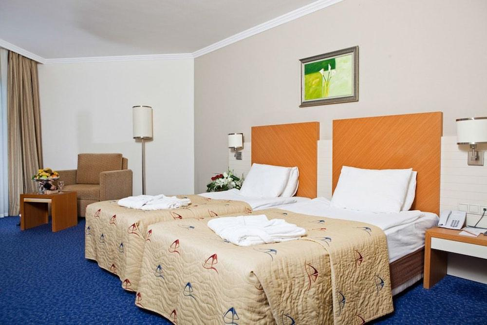 image 1 at Crystal Admiral Resort Suites & SPA – All Inclusive by Side Kzlot Manavgat Antalya 7600 Turkey