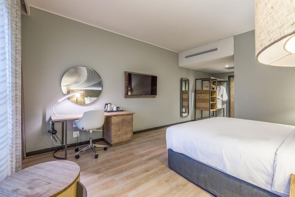 image 1 at Radisson Hotel & Convention Centre Johannesburg, O.R. Tambo by Estate 154, Corner 3rd & 6th Avenue Bredell Kempton Park Gauteng 1619 South Africa