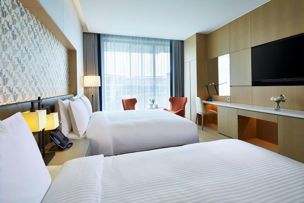 image 1 at Shinhwa Jeju Shinhwa World Hotel & Resorts by 38, Sinhwayeoksa-ro 304beon-gil Andeok-myeon Seogwipo Jeju 63522 South Korea