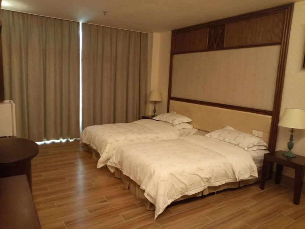 image 1 at Goodview Hotel Sangem Zhangmutou by No.22 Shi Xin Road, Zhangmutou Dongguan 523631 China