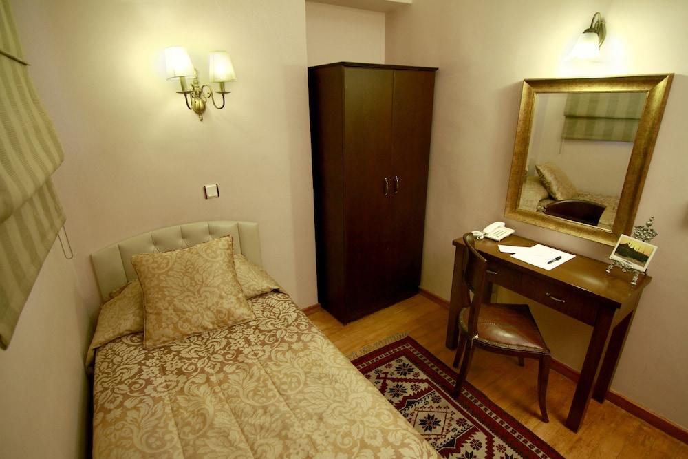 image 1 at Hotel Uyan - Special Class by Utangac Sokak No: 25 Sultanahmet Istanbul Istanbul 34122 Turkey