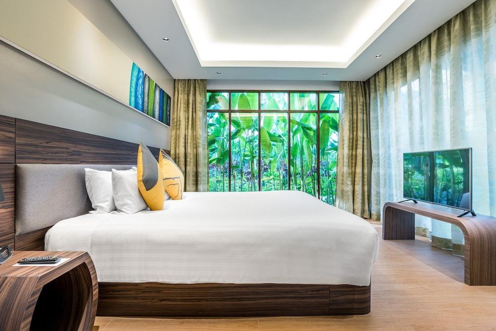 image 1 at Novotel Phuket Karon Beach Resort and Spa by 568 Patak Road Karon Beach Muang Karon Phuket 83100 Thailand