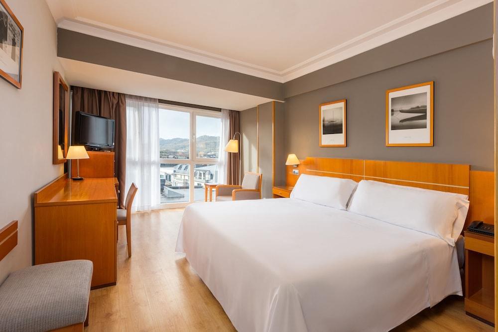 image 1 at TRYP San Sebastian Orly Hotel by Plaza de Zaragoza, 4 San Sebastian Gipuzkoa 2007 Spain
