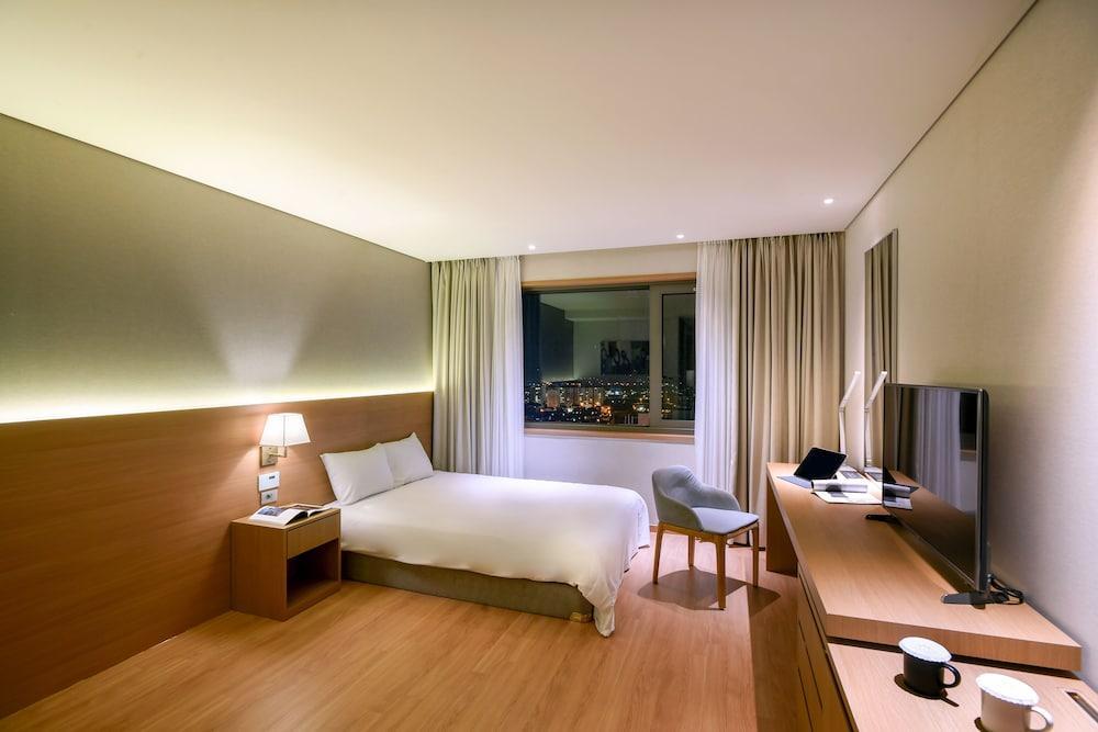 image 1 at Astar Hotel by 129, Seosa-ro Jeju City Jeju 690-846 South Korea