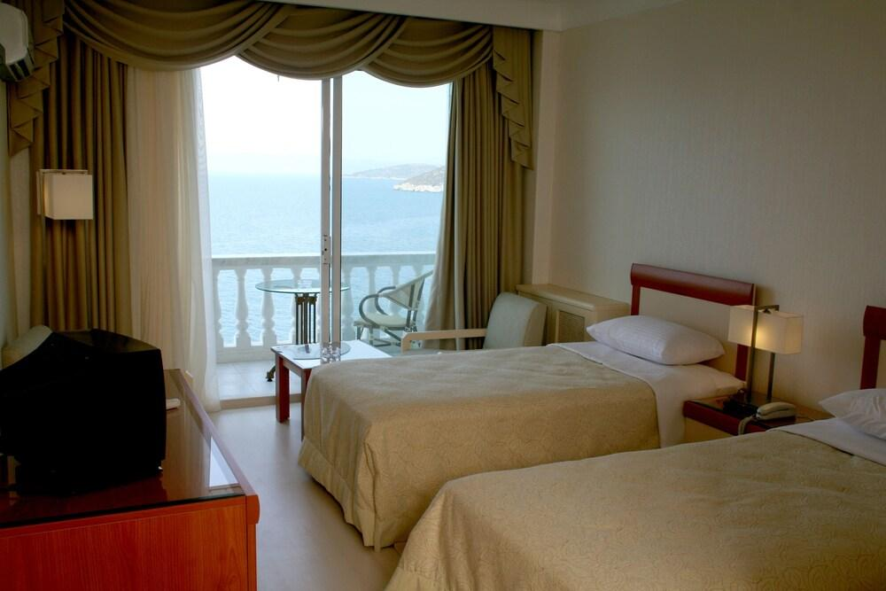 image 1 at Kismet Hotel by Gazi Begendi Bulvari No:1 No 3 Kusadasi Kusadasi 9400 Turkey