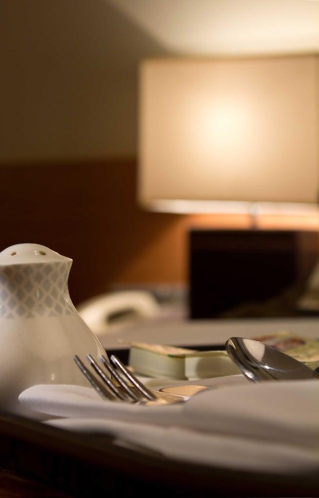 Radisson Blu Marina Hotel Connaught Place, New Delhi ...