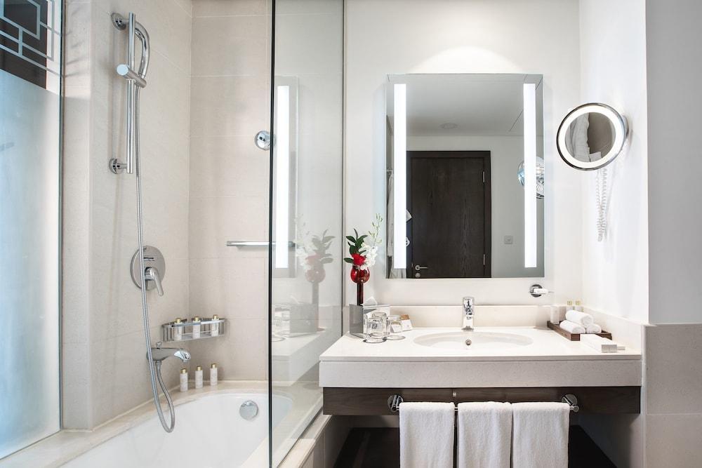 image 1 at Royal M Hotel by Haleefat Area Hamad Bin Abdulla Road West Al-Fujairah Fujairah 9100 United Arab Emirates