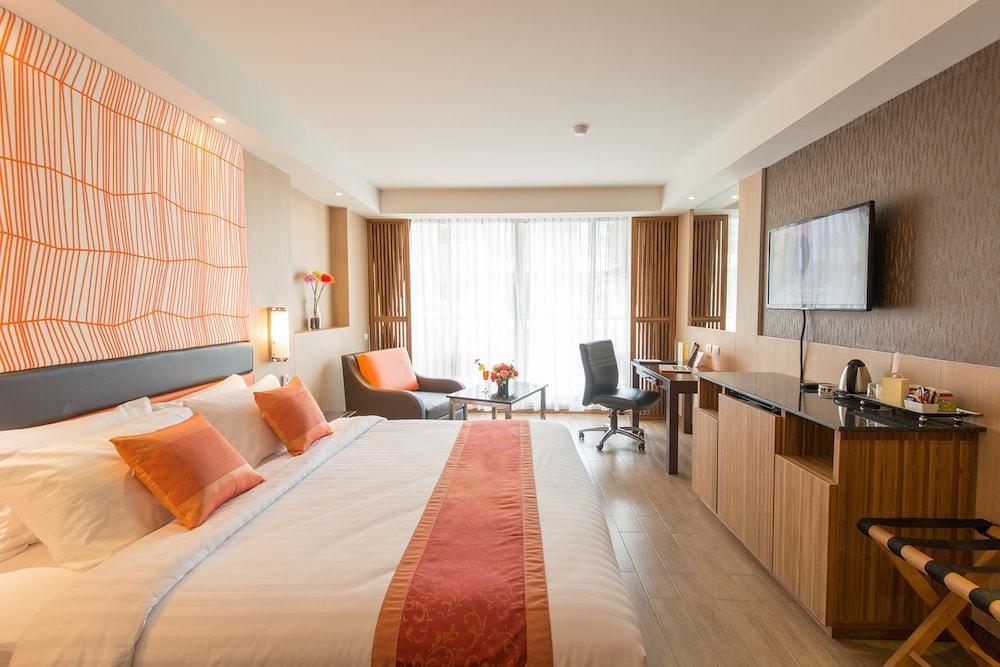 image 1 at Dynasty Grande Hotel by 21 Soi Sukhumvit 6 Sukhumvit Road Bangkok Bangkok 10110 Thailand