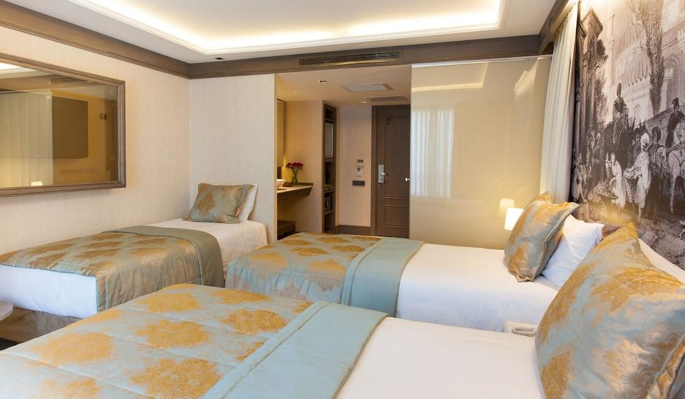 image 1 at Pierre Loti Hotel - Special Class by Piyerloti Cad. No: 1 Sultanahmet - Cemberlitas Istanbul Istanbul 34400 Turkey