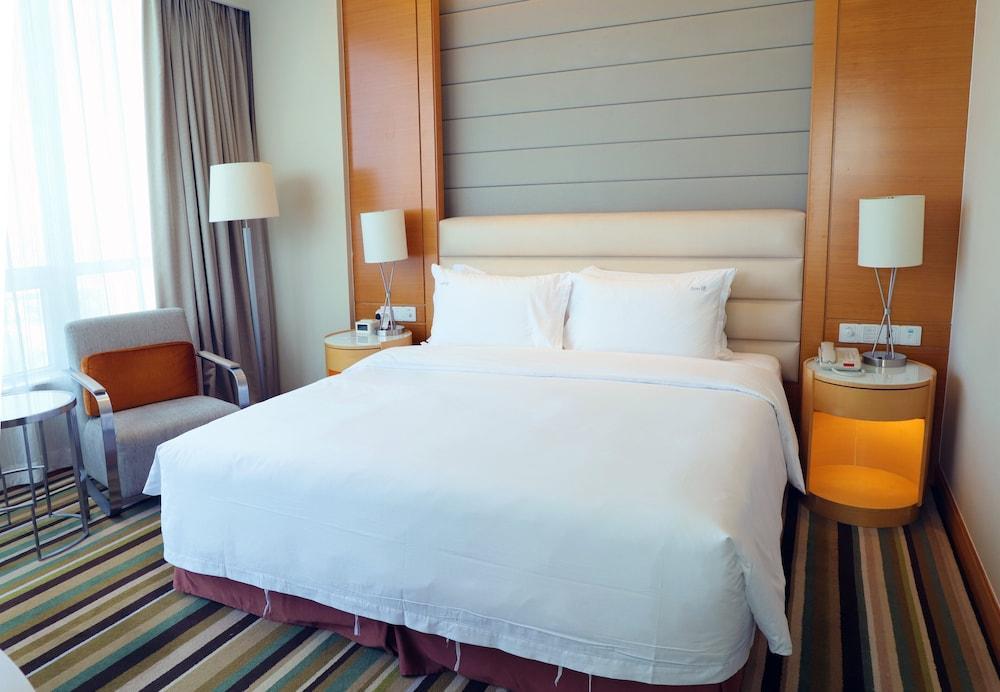 image 1 at Holiday Inn Tianjin Riverside, an IHG Hotel by Phoenix Shopping Mall A East Haihe Road, Hebei District Tianjin Tianjin 300141 China