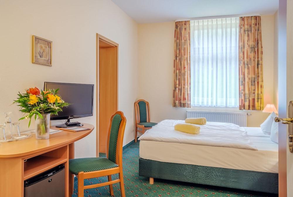 image 1 at Ferien Hotel Südharz by Carl von Ossietzky Strasse 9 Ellrich TH 99755 Germany