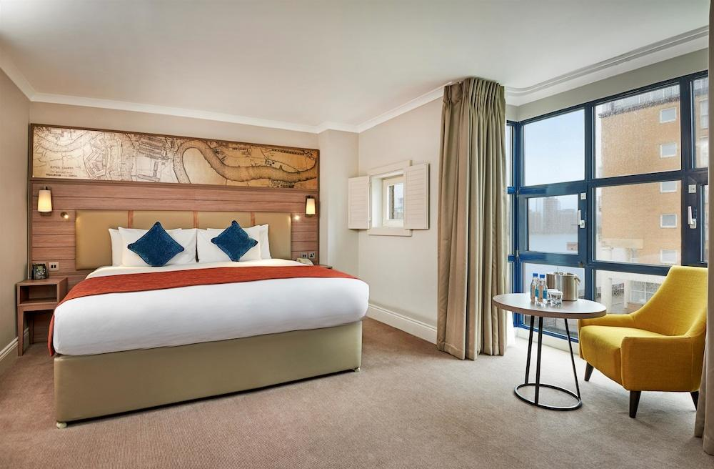 image 1 at DoubleTree by Hilton London - Docklands Riverside by 265 Rotherhithe Street London England SE16 5HW United Kingdom