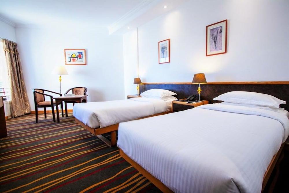 image 1 at BM Beach Hotel by Sheikh Muhammad Bin Salem Rd Ras Al Khaimah 1946 United Arab Emirates