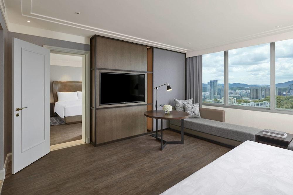 image 1 at JW Marriott Hotel Seoul by 176, Sinbanpo-ro, Seocho-gu Seoul Seoul 06546 South Korea
