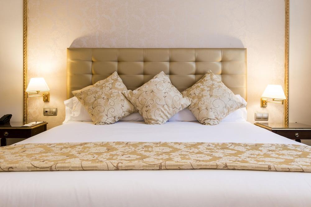 image 1 at Hotel Roger de Lluria Barcelona by C/ Roger De Lluria 28 Barcelona 08010 Spain