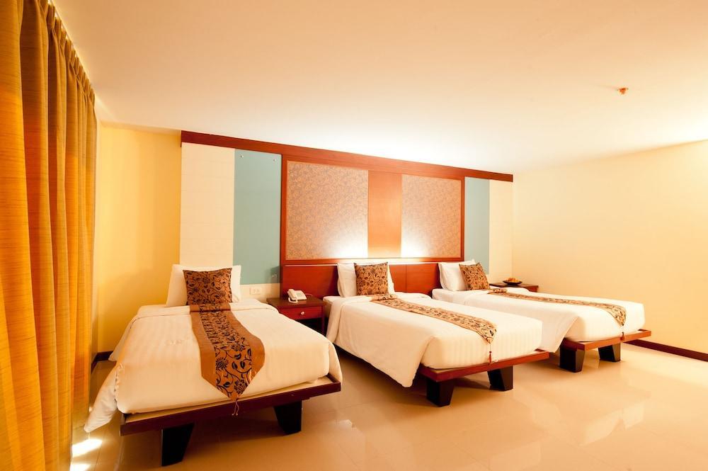 image 1 at Convenient Grand Hotel by 88/8 Srivareenoi Rd.(Ladkrabang 54) Bang Sao Thong Samut Prakan 10540 Thailand