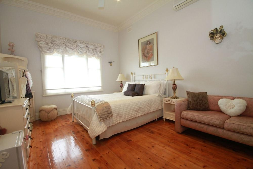 image 1 at Pelican Sands Bed & Breakfast by 149 Point Richards Road Portarlington VIC Victoria 3223 Australia