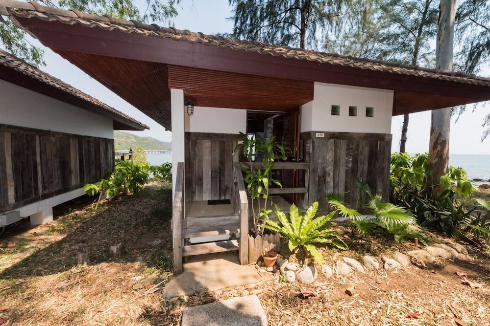 image 1 at Rayong Resort by 186 Moo 1, Phe Sub-District Muang District Rayong 21160 Thailand